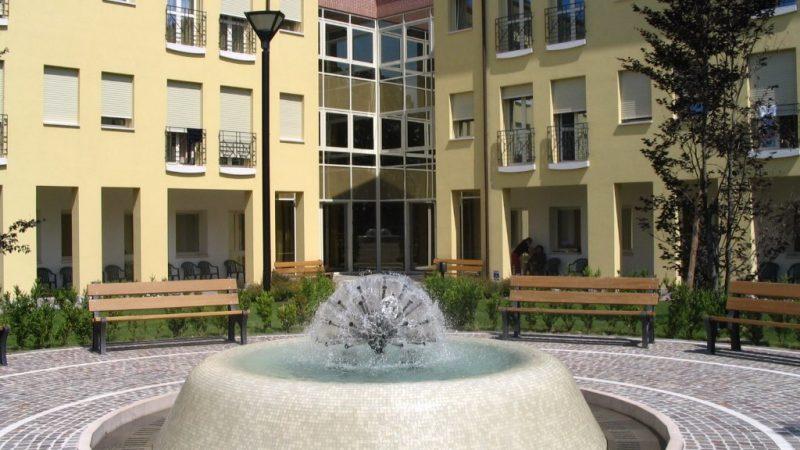 fontana del giardino interno della residenza